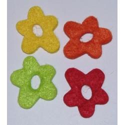 Elementy z filcu cztery kwiatki